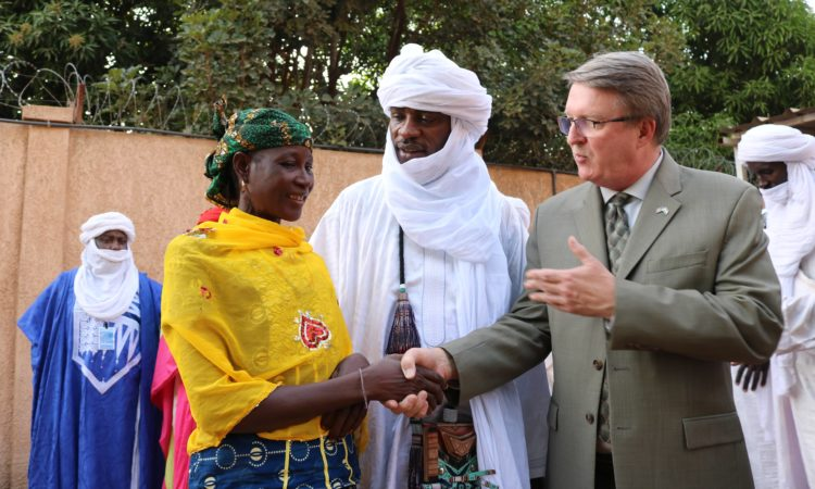Ambassador Whitaket and Hadizatou Mani ( Women of Courage 2009)
